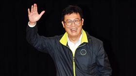 姚文智出席北社晚會民進黨台北市長參選人姚文智(圖)13日在台北卓越堂出席北社「台灣文化日」晚會,向與會成員揮手致意。中央社記者施宗暉攝 107年10月13日