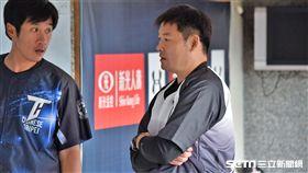 黃甘霖擔任中職聯隊總教練。(圖/記者王怡翔攝影)