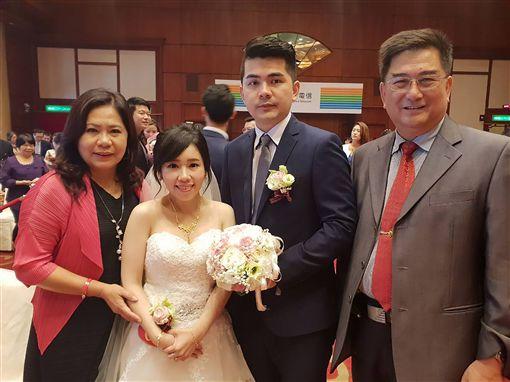 中華電辦集團婚禮 72對新人曬恩愛