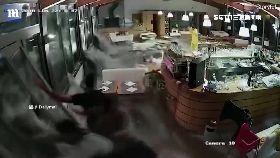 巨浪襲餐廳0930