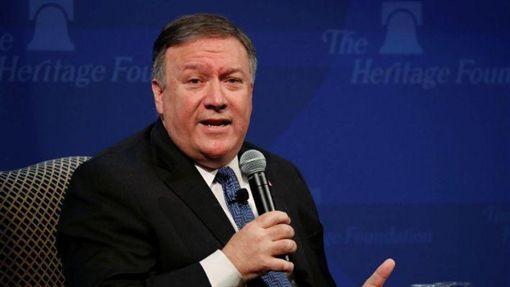 美國國務卿蓬佩奧Mike Pompeo今在記者會宣布,重啟對伊朗全面制裁。(圖/翻攝推特)