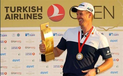 羅斯靠土耳其航空公開賽冠軍重登世界球王寶座。(圖/翻攝自羅斯IG)