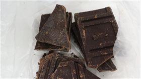 法國有機巧克力農藥超標 邊境攔下食藥署6日指出,一批從法國進口的「KLAUS有機90%黑巧克力片」,在邊境被驗出農藥「協力精」,是首次驗出巧克力農藥超標。(食藥署提供)中央社記者張茗喧傳真 107年11月6日