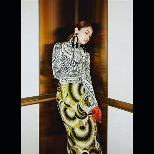 楊丞琳,泳帽,時尚,雜誌(圖/翻攝自rainie77 Instagram)