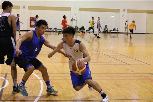 范弘昊,獨臂神射手,籃球(受訪者提供)
