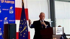 副總統麥克.彭斯的哥哥葛瑞格.彭斯(Greg Pence)。(圖/翻攝自Greg Pence臉書)