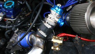 原廠進氣洩壓閥設計很爛 會漏氣?