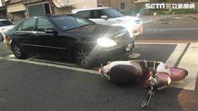 賓士車撞騎士還嗆聲/黃先生授權提供
