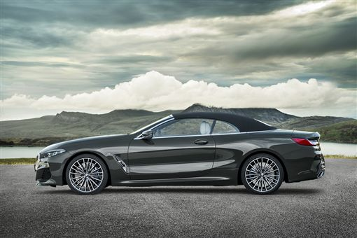 BMW 8 Series Convertible(圖/車訊網)