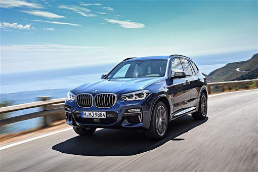 2019年式全新世代BMW X3全面配備完整智慧駕駛輔助套件。(圖/BMW提供)