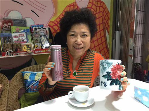 警大退休教授葉毓蘭發文小野哭柯文哲心疼讓她反胃,臉書