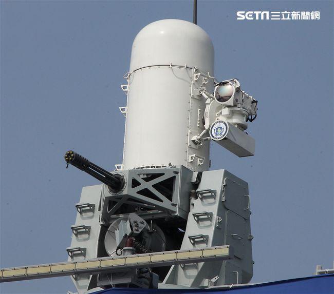 海軍「銘傳、逢甲艦」艦上有最先進的方正快砲。(記者邱榮吉/攝影)