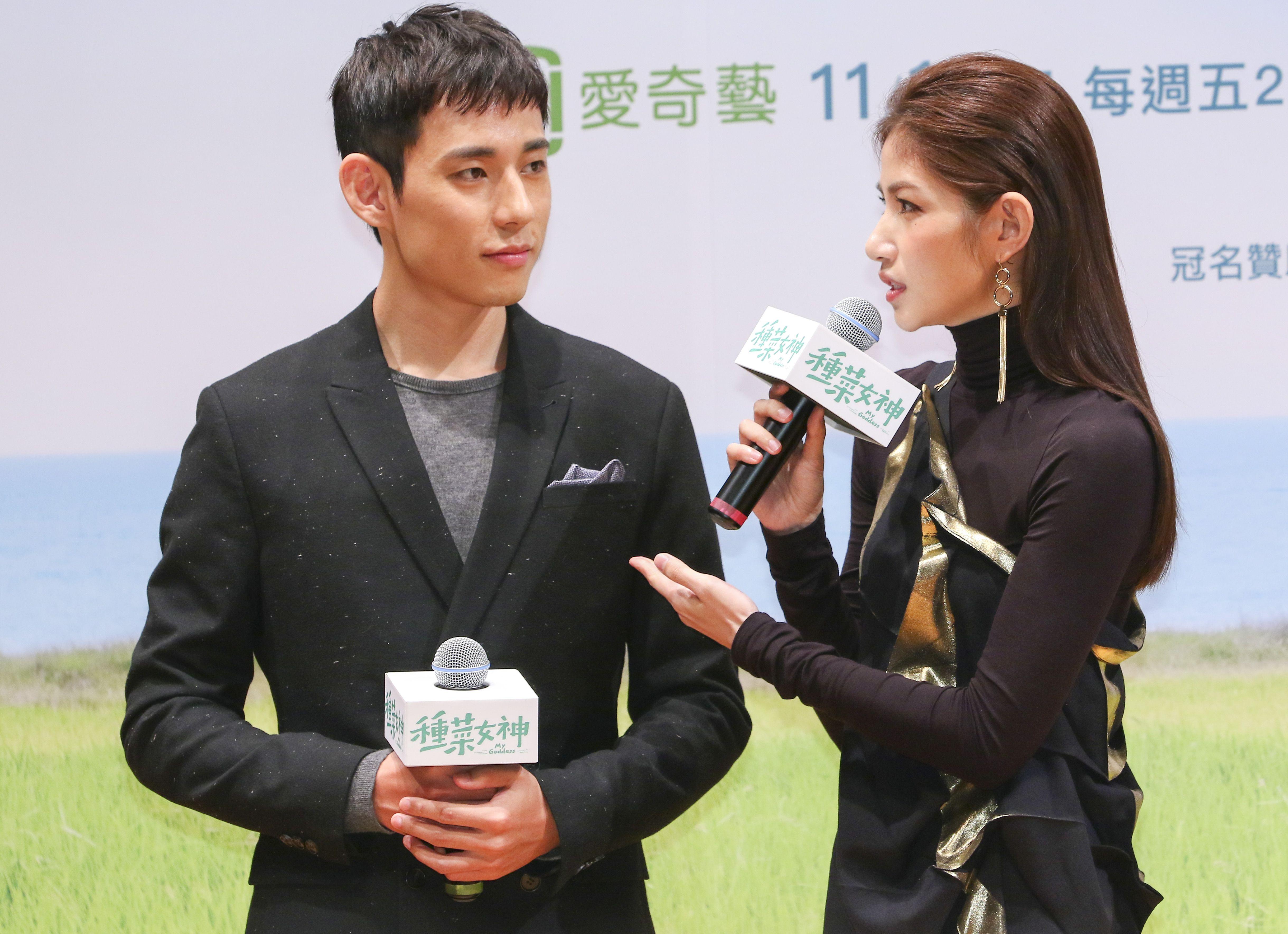 「種菜女神」首映發布會女主角李千娜與男主角徐鈞浩。(記者林士傑/攝影)
