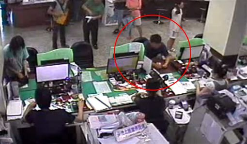 台北,南港,二手車,詐欺,背信。翻攝畫面