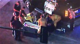 美國南加州洛杉磯郊區千橡鎮(Thousand Oaks)夜店Borderline Bar and Grill今晚驚傳槍響,至少12人死亡及12人受傷,死者包括馳赴現場的一名警官。槍手也被發現身亡。(圖/翻攝自推特)