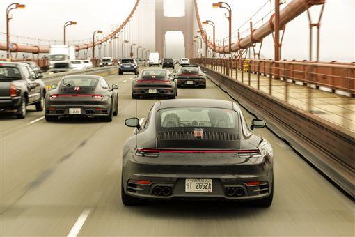 Porsche 911進行最終的嚴苛測試。(圖/Porsche提供)