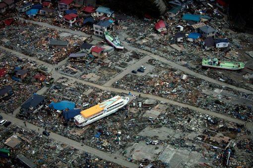 地震 日 3 11 月