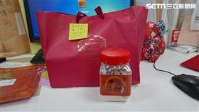 徐世榮相挺陳其邁每年都會收到來自苗栗大埔的薑糖(圖/陳其邁辦公室提供)