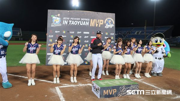 二木康太獲選單場最有價值球員。(圖/記者王怡翔攝影)