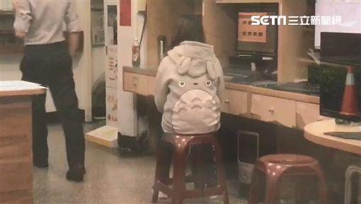 台北,中山,餓死,皮包骨,男童,虐童(圖/翻攝畫面)