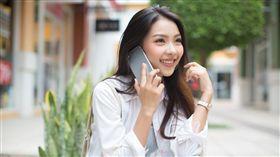 台灣之星提供 打電話 聊天 上網 雙11