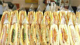 早餐店三明治。(圖/翻攝自「爆廢公社」)