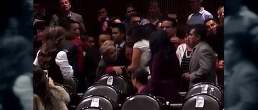 墨西哥國會議員卡門(Carmen Medel)(圖/翻攝自YouTube)
