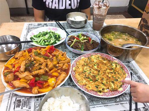 煮飯,爸爸,滿漢全席,阿基師(圖/翻攝自爆怨公社)