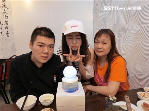 詹子晴、詹子晴弟弟、媽媽 圖/中天電視提供、翻攝自臉書