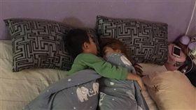 睡覺,大夜班,兒子,老婆,前世情人(圖/翻攝自爆怨公社臉書)