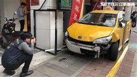 台北市康定路死亡車禍(楊忠翰攝)