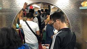 火車,台鐵,拱門,設計,爆廢公社 圖/翻攝自臉書爆廢公社