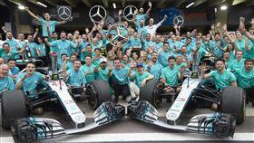 Mercedes-AMG Petronas Motorsport車隊提前封王。(圖/Mercedes-Benz提供)