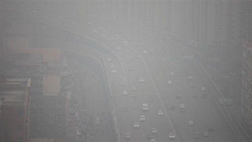 大陸,空汙,霧霾,PM2.5,紫色,警戒 圖/翻攝自微博