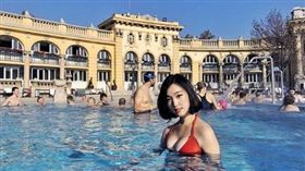 正妹7元泳裝照超火辣。(圖/翻攝自Instagram)