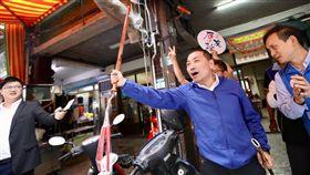 侯友宜板橋福德街市場、板橋湳興市場掃街,侯友宜競選總部提供