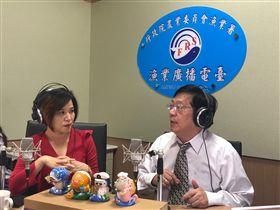 ▲楊月娥主持廣播節目「發現農民力」。(圖/怡佳娛樂提供)