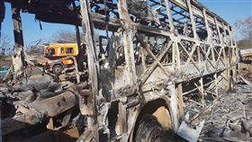 辛巴威巴士爆炸,造成至少42死20傷(圖/翻攝自推特)