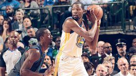 勇士首次二連敗!雙星難擋獨行俠群毆 NBA,金州勇士,Draymond Green,Kevin Durant,連敗 翻攝自推特