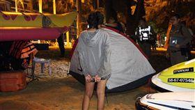 帳篷,泰國,性侵,少女,沙灘,散步,逃逸,性交,警察,檢查,保險套 圖/翻攝自springnews