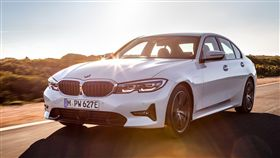 BMW 330e(圖/翻攝網路)