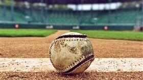 日本九州熊本市內一所高中昨(18)日舉行棒球練習賽,一名高2學生上場打擊,遭投手觸身球擊中頭部,送醫後不治。這是1974年以來,高中生在比賽中遭觸身球擊中死亡的第3起案例。(示意圖/翻攝自pixabay)