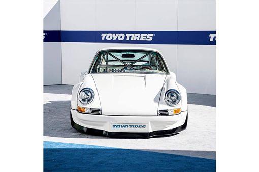 換上Tesla電動系統的Porsche 911。(圖/翻攝網站)