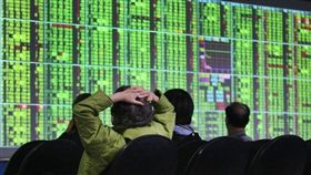 台北股市13日開盤跌104.04點,加權股價指數為9727.17點。(中央社檔案照片)