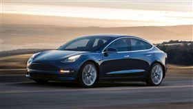 Tesla Model 3(圖/翻攝Tesla官網)