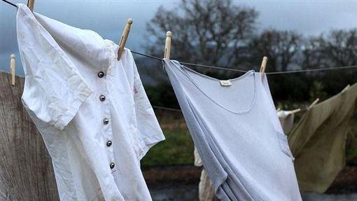 曬衣服、晾衣服(圖/Pixabay)