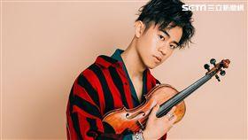 廖柏雅從小提琴手轉戰歌壇。(圖/柏雅音樂工作室提供)