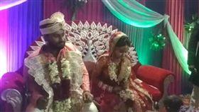 印度,德里,結婚,中槍,子彈(圖/翻攝自indiatoday)