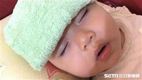 小兒神經科醫師張鈺孜提醒,嬰幼兒發燒千萬別以酒精擦拭,不但症狀會更嚴重,也可能導致中毒。(示意圖/亞大醫院提供)(勿用)