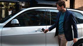 BMW Digital Key手機數位鑰匙。(圖/BMW提供)